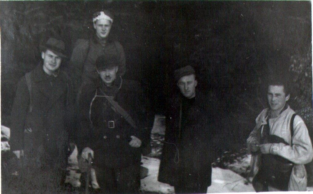 Gustaw Kruszewski and John Duncan and Mjr. Julian Krzewicki and Ludwik Szwajgert and NN Downed Airman