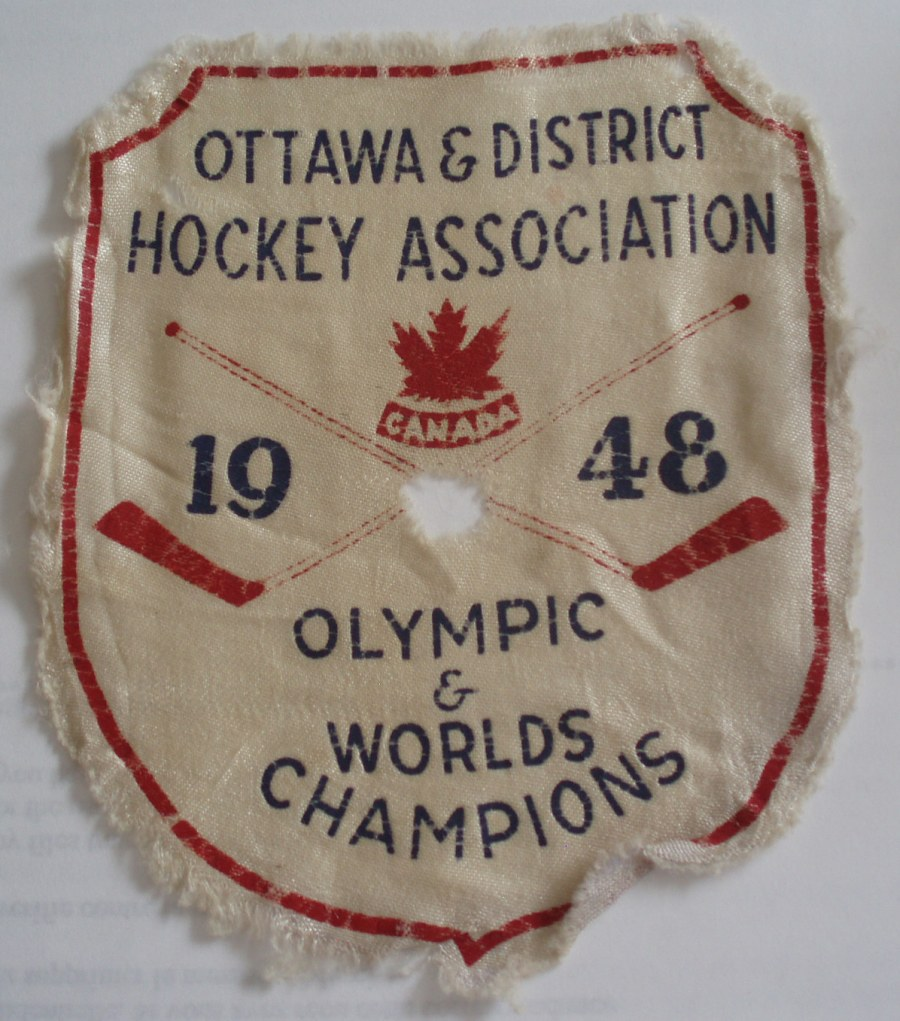 Photo: OldTimer RCAF Flyer Hockey Patch