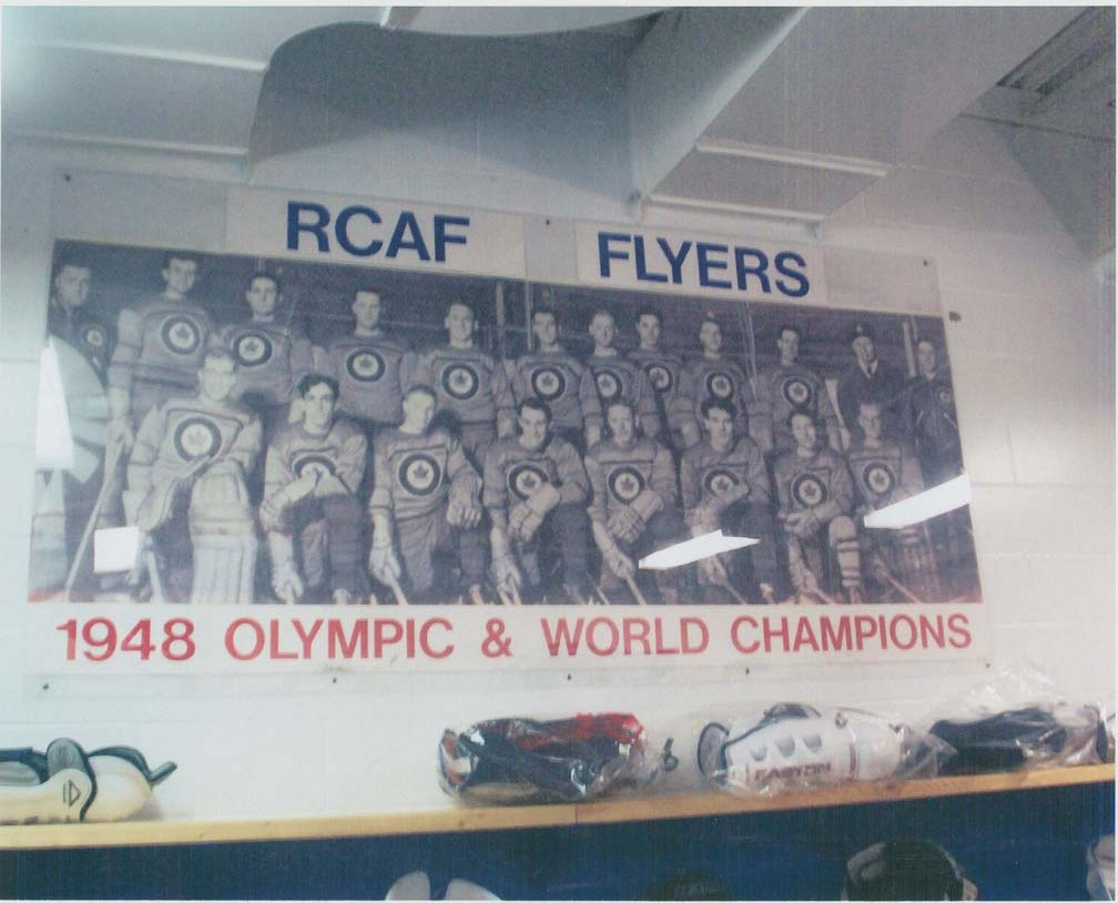 Photo of 1948 RCAF Flyers  in  CFB Trenton  RCAF Flyer Arena Dressing Room