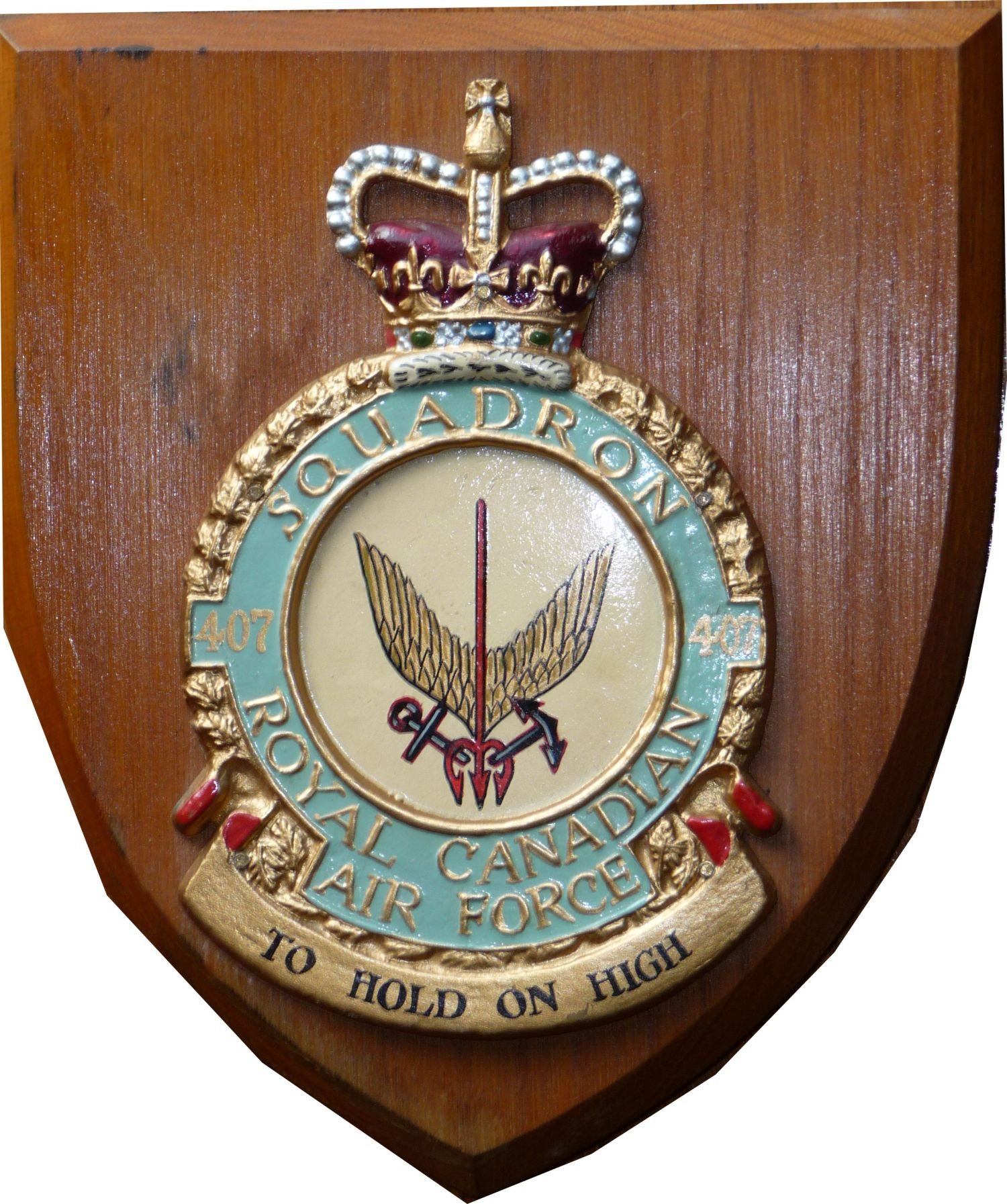Photo: RCAF 407 Squadron CREST