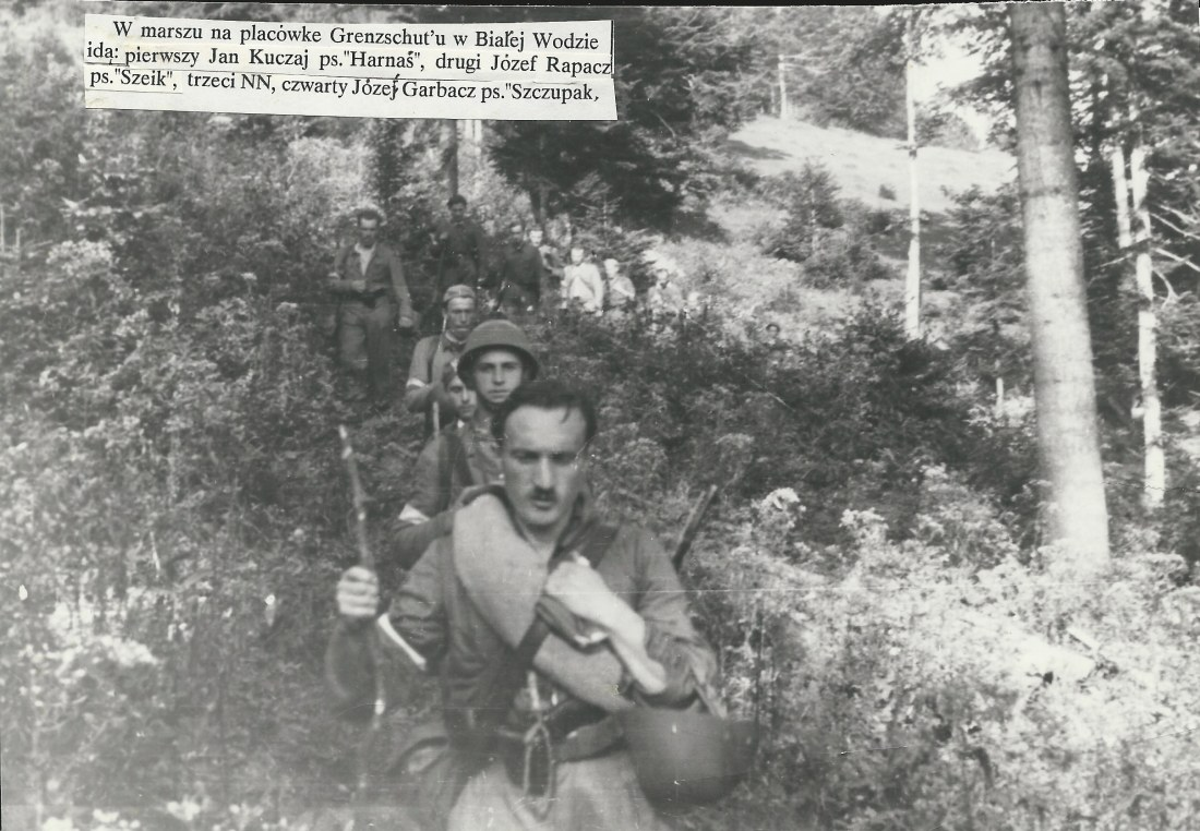 4th Battalion 1PSP AK soldiers during the march from Ochotnica to Biała Woda