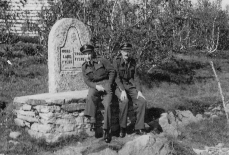PHOTO Hubert Brooks and Chick Rideal at Allied Airmen Grave Site