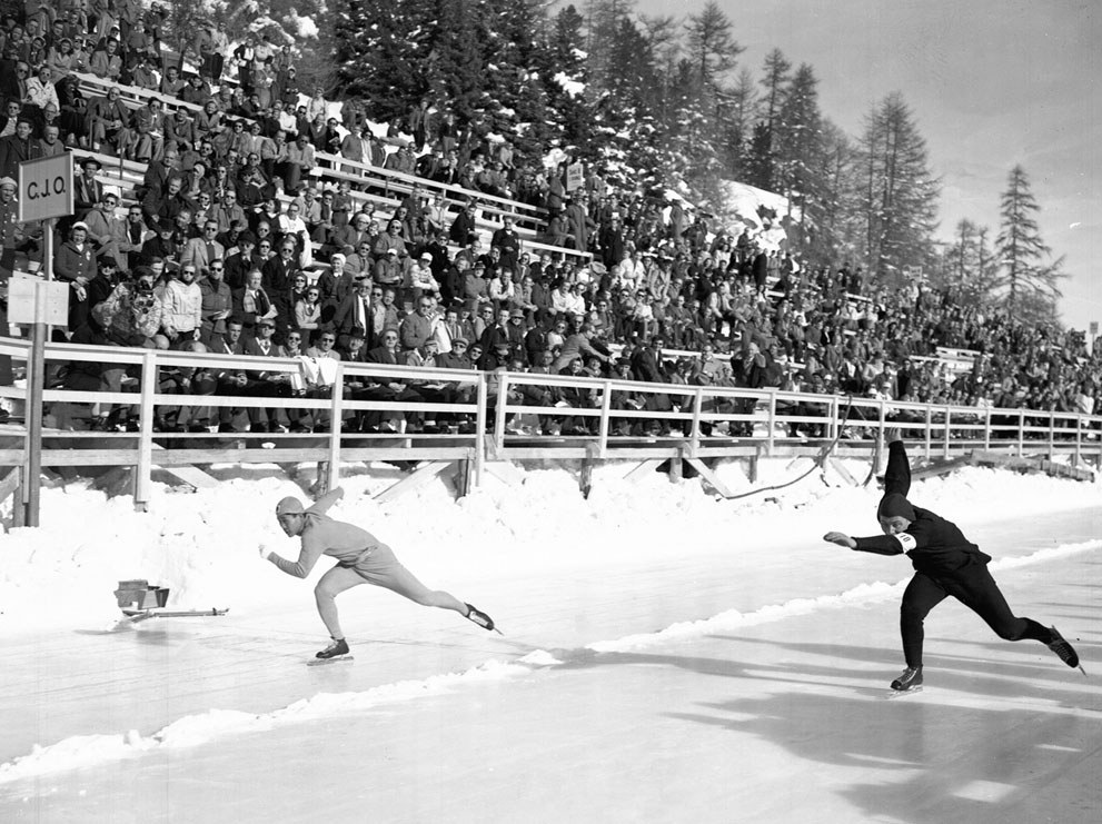 Photo:Hijo Chang Lee of Korea and A. Huiskes of Holland compete in the 500 meter Olympic speedskating at St Moritz Switzerland, on January 31, 1948