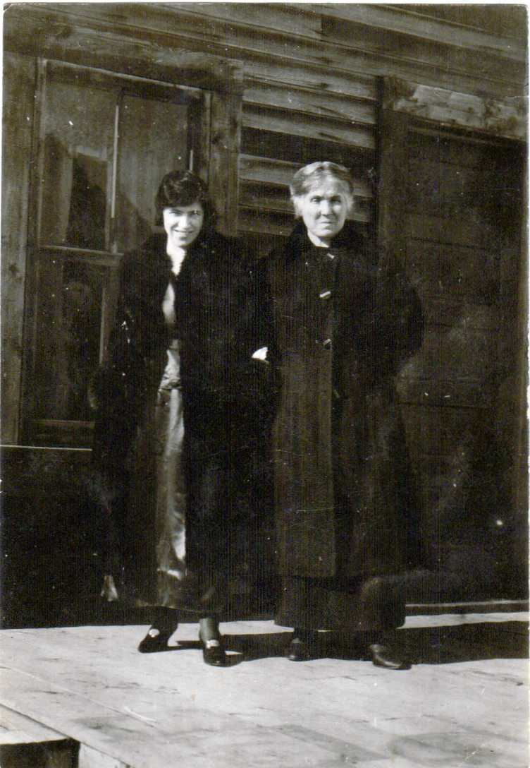 "Laura Brooks and Marie ""Mama Candy"" Brooks Peace River circa 1920"