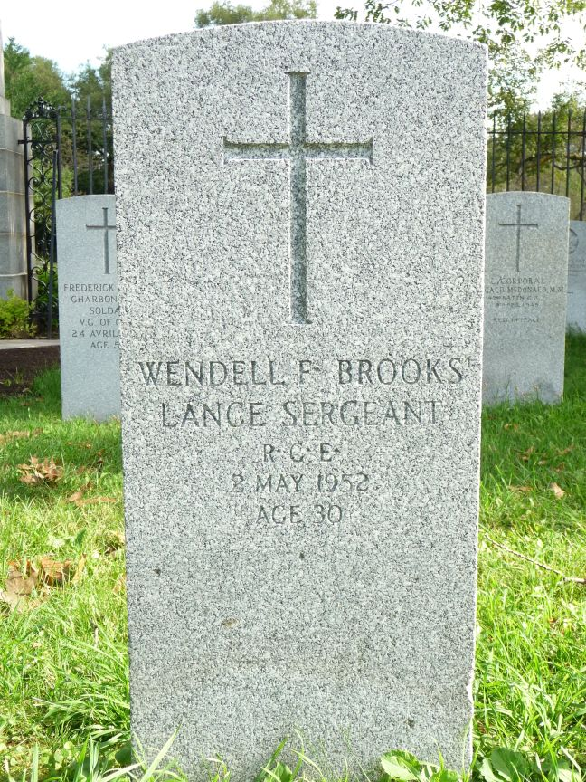 Photo: Wendall Brooks Tombstone at Notre-Dame-des-Neiges Cemetery Veterans Section
